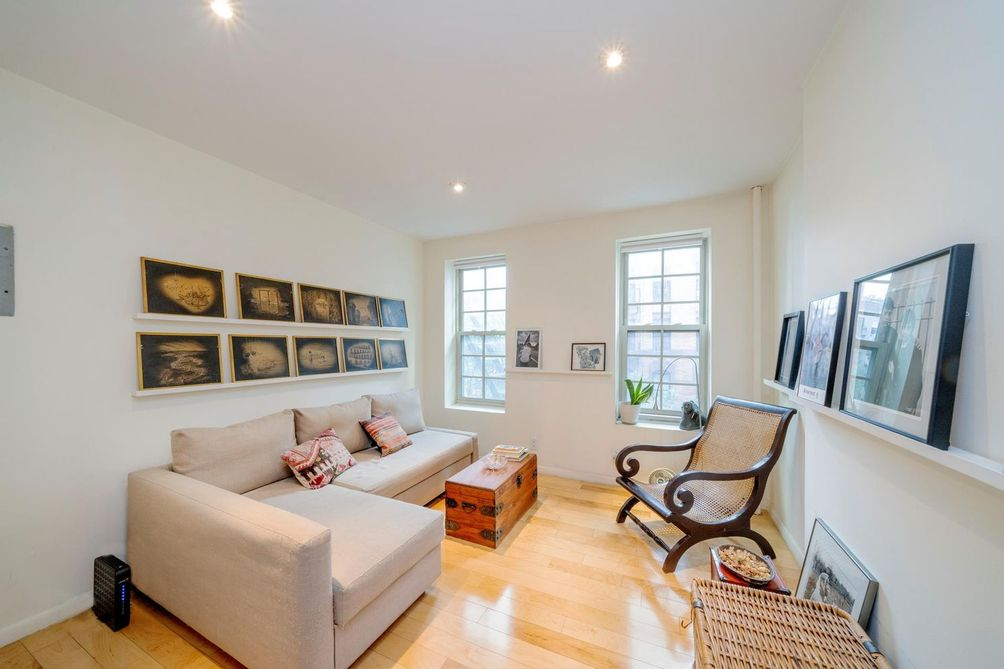 323 West 43rd-Stree-t006