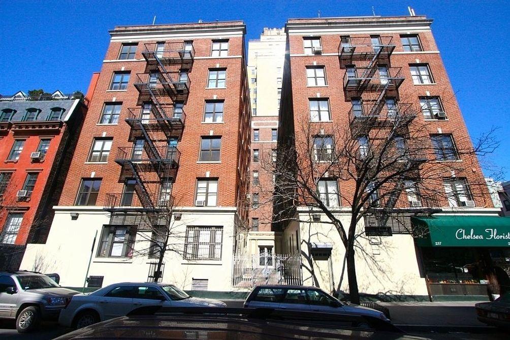 301 West 22nd Street exterior