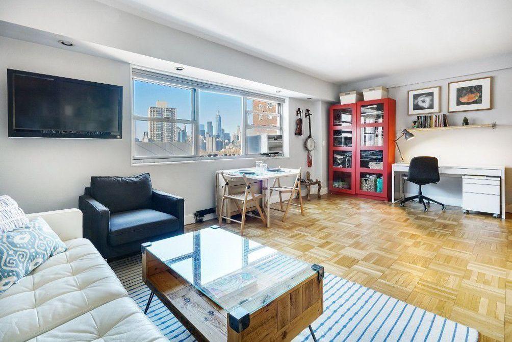 225 Adams Street interiors