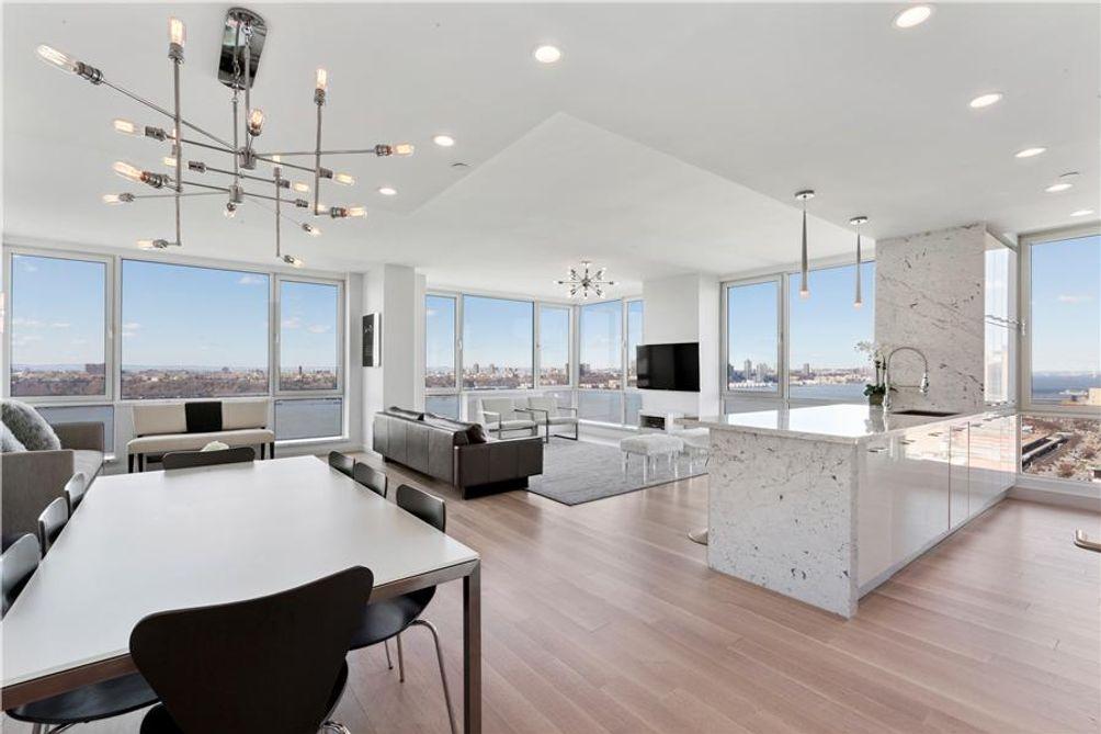 635 West 42nd Street interiors