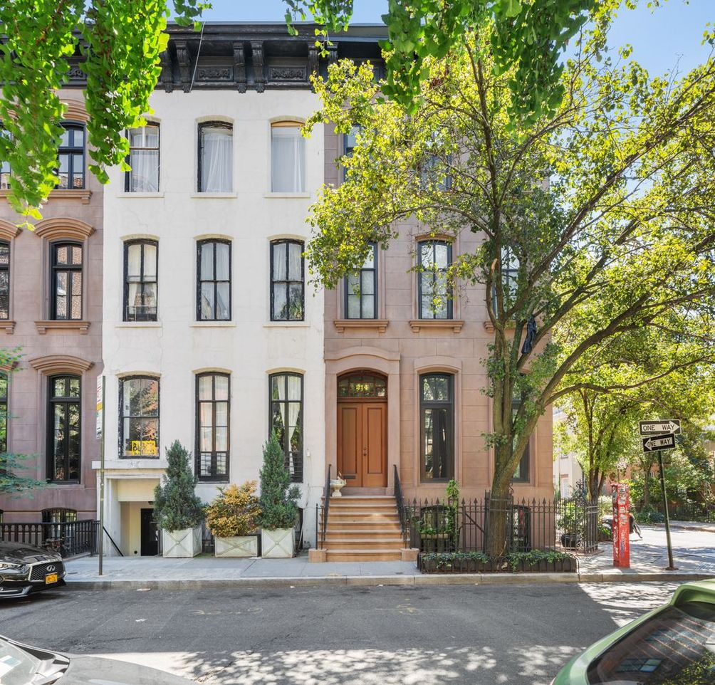 West Village townhouse nyc apartments