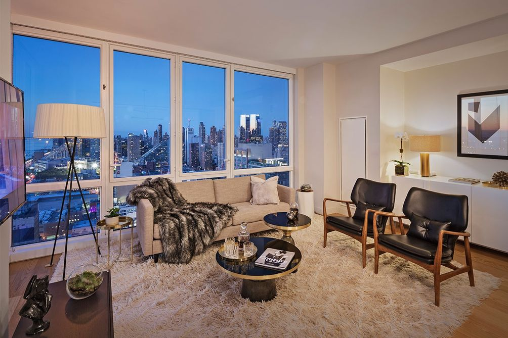Live in the sky coveted 42nd street rental tower offers 1 for 42nd street salon