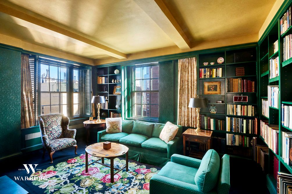 141 East 72nd Street library