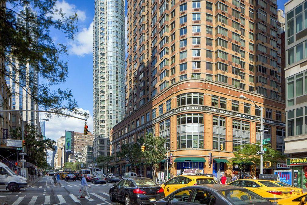 776-Sixth-Avenue-01