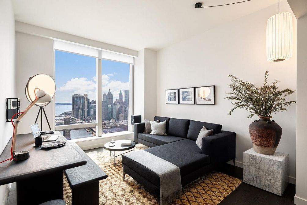 One Manhattan Square - Lower East Side - Downtown condos