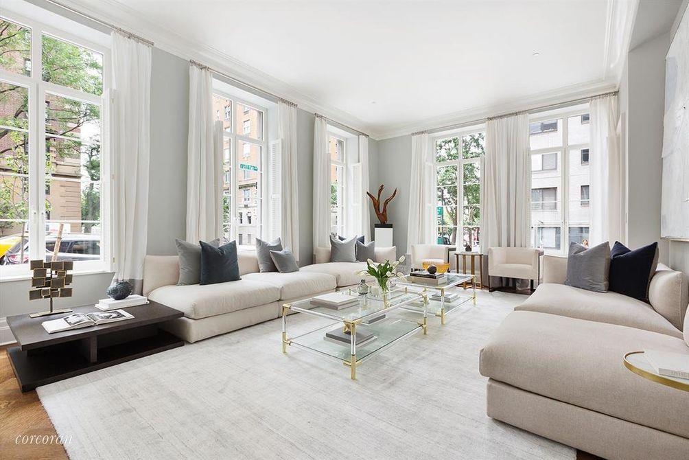 20 East end avenue maisonette living room