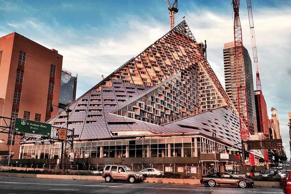 Via, pyramid skyscraper, nyc pyramid, bjarke ingels pyramid