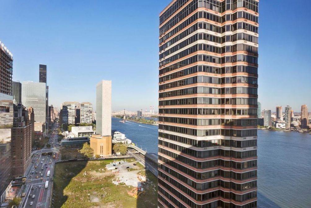 Manhattan-Place NYC condos