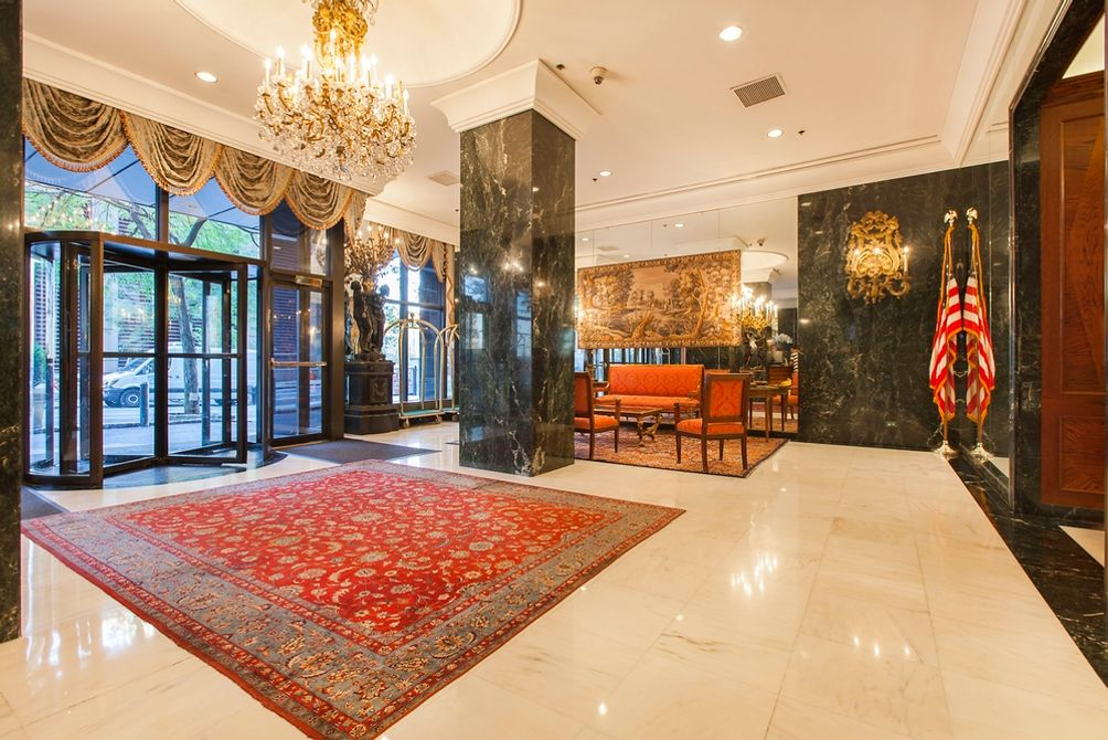 New York Tower's resident lobby