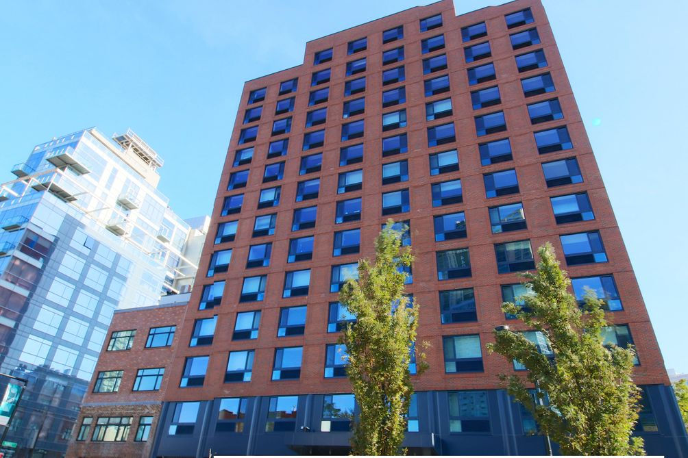 long island city s 26 14 jackson offering first two months free with