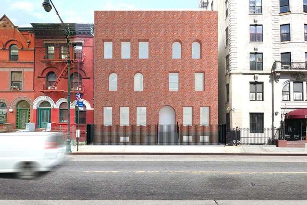 371-Manhattan-Avenue-01