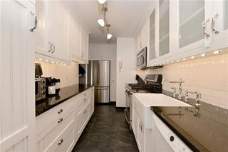 5800 Arlington Avenue interiors