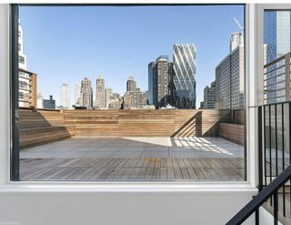 318 West 52nd Street amenities