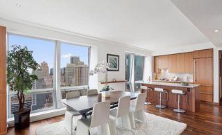 400 Fifth Avenue interiors
