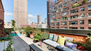 515 East 85th Street outdoor space
