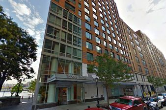 Free month of rent stunning views at battery park city 39 s for 22 river terrace new york