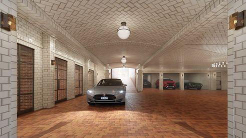 443-greenwich-parking