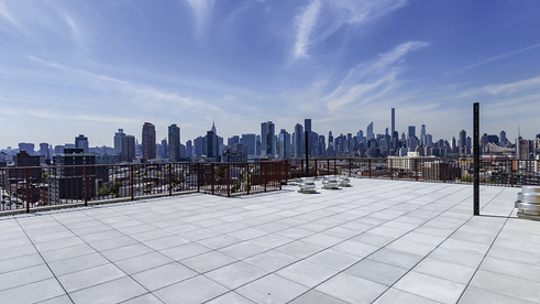 22-22 Jackson Avenue amenities, roof deck