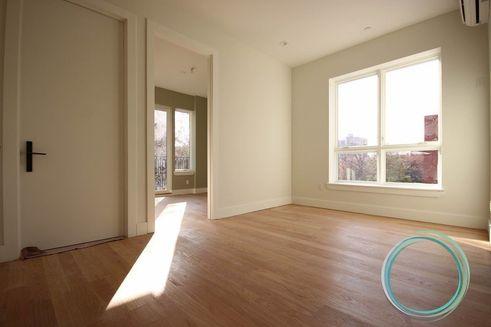 924 DeKalb Avenue interiors