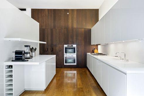 40 Bond kitchen