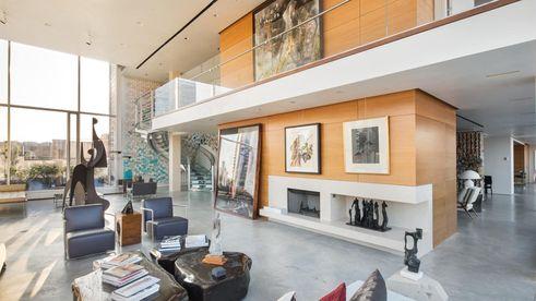 sky-lofts-penthouse-living