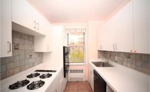 3901-Independence-Avenue-2