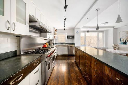 1050-Fifth-Avenue-02