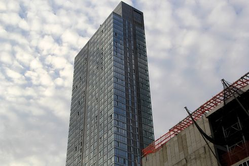 Long Island City development, NYC skyline, 1 QPS Tower