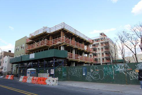 585-Manhattan-Avenue-02