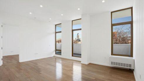 47-09 5th Street interiors