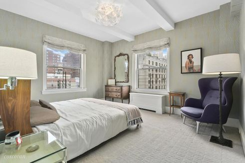 135 East 74th Street bedroom