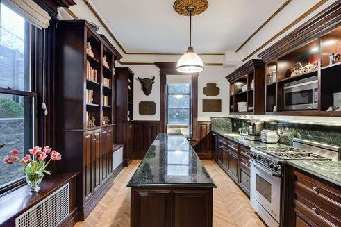 572 1st street kitchen