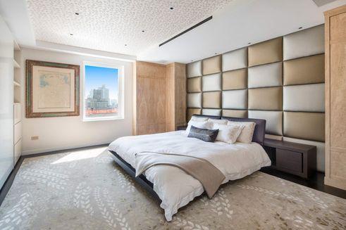 1049 fifth avenue bedroom