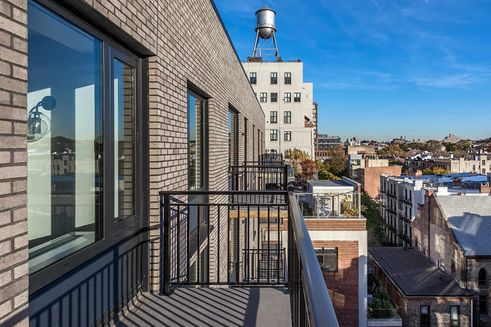 No-Fee Listings at New Luxury Rental Near Barclays Center in