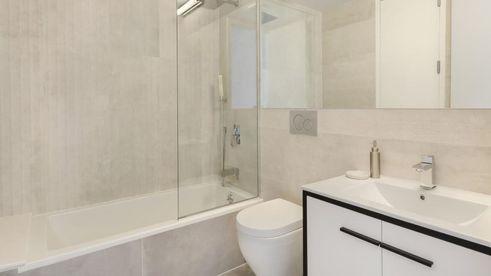 1143 lafayette bath