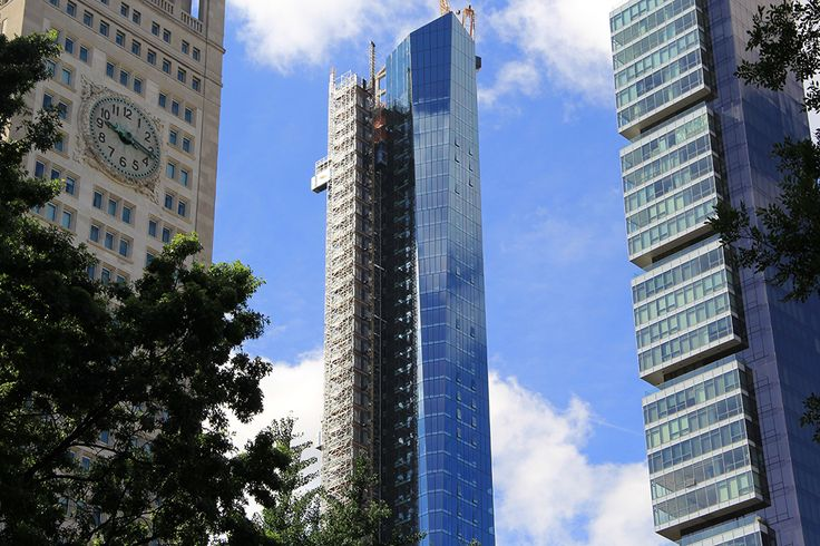 45 East 22nd Street is now the tallest skyscraper between midtown and downtown Manhattan.