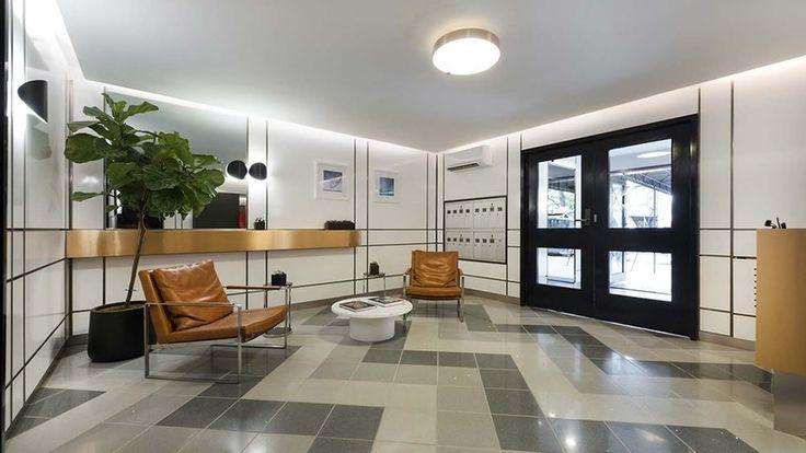 25-monroe-place-lobby