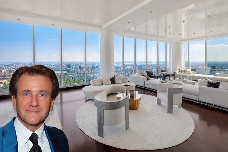 One57 #86 via Compass and Photos of Robert Herjavec By Phil Birnbaum (CC BY 2.0, https://commons.wikimedia.org/w/index.php?curid=13149885)