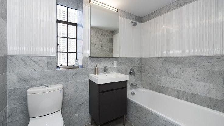 25-monroe-place-bathroom