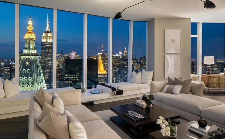 Great room with northern exposure at Madison Square Park Tower (Credit: Evan Joseph)