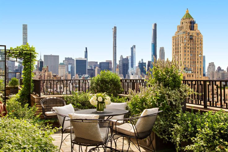 Penthouse terrace at 895 Park Avenue, the biggest co-op contract signing in June 2021
