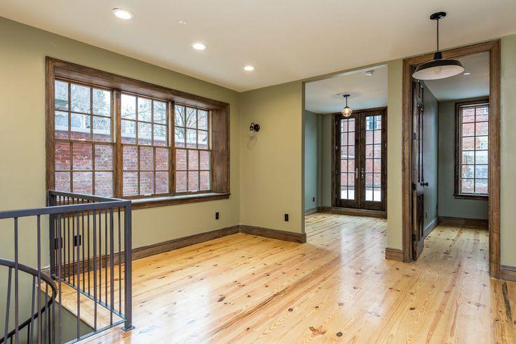 Interior of 45 Newel Street in Greenpoint, Brooklyn (Image via Nooklyn)
