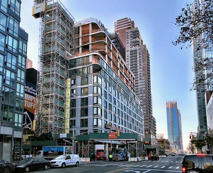 572 Eleventh Avenue under construction (CityRealty)