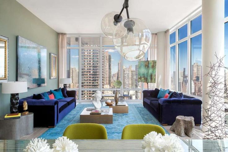 The solarium-like living room at The Charles #24fl on First Avenue