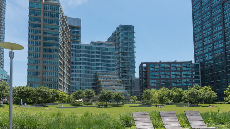 Long Island City and its waterfront are booming with new rentals, photo via CityRealty