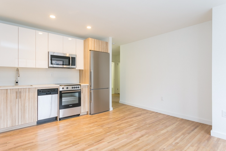 337 West 30th Street between Eighth and Ninth Avenue offers renovated apartments with one month free. (Image via Greystar)