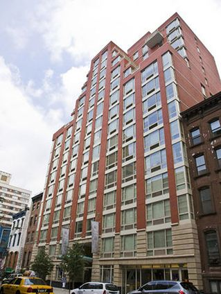 Casa 155 west 21st street nyc rental apartments for Veltroni casa new york