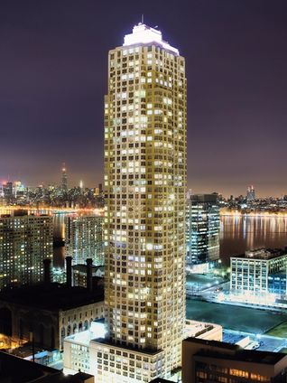 Trump plaza residences 88 morgan street nyc condo for Trump tower jersey city rentals