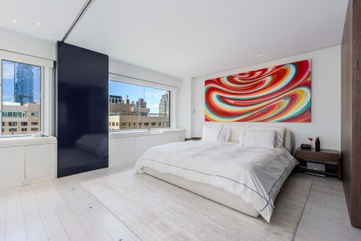 One Lincoln Plaza, 20 West 64th Street, #31R