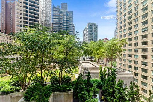 15 Central Park West, #10K